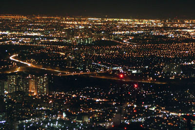 Toronto goes dark during Earth Hour, on March 29, 2008. Photo by Samantha Stockell