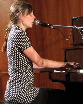 Jazz musician Elizabeth Shepherd performs at UTSC on Nov. 8.