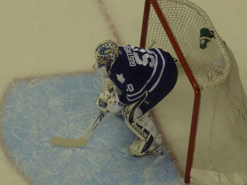 Leafs buffeted by Bruins in Gustavsson's debut